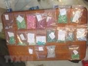 Arrestan a narcotraficantes con miles de píldoras de drogas en Vietnam