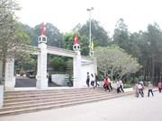 Rinden tributo a voluntarias caídas en encrucijada Dong Loc
