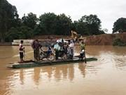 Casi seis mil evacuados por colapso de presa en Laos
