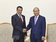 Premier de Vietnam reitera deseo de impulsar colaboración con Emiratos Árabes Unidos