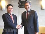 Vietnam y Singapur decididos a fortalecer cooperación por intereses estratégicos compartidos