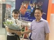 Aerolínea vietnamita reconoce a su primera mujer piloto al mando