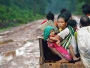 Ministerio de Defensa de Vietnam apoya con donaciones a víctimas del colapso de presa en Laos