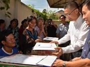 Expatriados vietnamitas estabilizan vidas después del incendio en Camboya