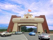 Se abren carriles separados para solucionar largas colas en puerta fronteriza entre Vietnam y Laos