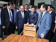 Premier vietnamita insta a convertir madera en producto clave para la exportación