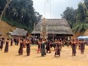 Provincia vietnamita revive la arquitectura tradicional del grupo étnico Co Tu