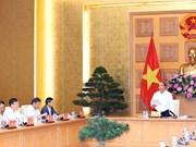 Premier de Vietnam pide asesoramiento de expertos sobre estrategia de desarrollo económico