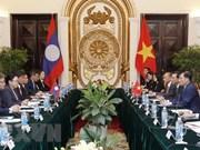 Vietnam y Laos efectúan tercera consulta política