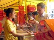 Mercado de pastel de luna en Vietnam vive ambiente vertiginoso
