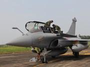 Escuadrón de la Fuerza Aérea Francesa visita Vietnam