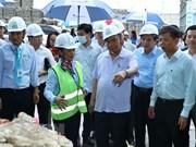 Premier de Vietnam insta al desarrollo sostenible del turismo de provincia de Quang Binh