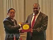 Vietnam y Sudáfrica fomentan nexos de cooperación en defensa y seguridad