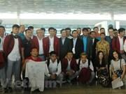 Fanáticos en Yakarta despiden a delegación deportiva de Vietnam