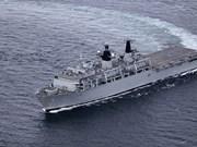 Buque HMS Albion de Marina Real Británica atraca en puerto de Vietnam