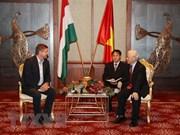 Dirigente partidista de Vietnam recibe a presidente del Partido Socialista de Hungría