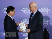 """FEM-ASEAN: Presentan libro """"La cuarta revolución industrial"""" en idioma vietnamita"""