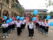 Alumnos en escuela bilingüe Laos - Vietnam inician año escolar