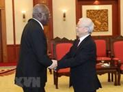 Máximo dirigente partidista de Vietnam recibe al primer vicepresidente de Cuba