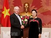 Presidenta parlamentaria de Vietnam respalda cooperación jurídica con Hungría