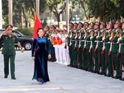 Presidenta del Parlamento de Vietnam asiste a apertura de curso de Academia de Defensa