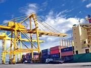 Vietnam registra unos 5,6 mil millones de dólares en superávit comercial