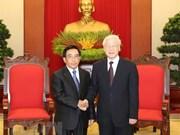 Dirigente partidista de Vietnam dialoga con vicepresidente de Laos