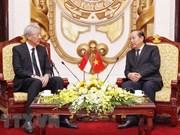 Vicepremier vietnamita recibe a su homólogo singapurense