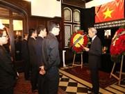 Embajada de Vietnam en Argentina abre libro de condolencias por deceso del presidente Tran Dai Quang