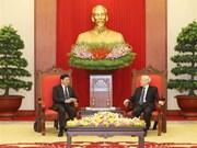 Secretario general del PCV recibe al primer ministro laosiano