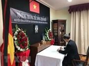 Rinde tributo al ex secretario general Do Muoi en Chile