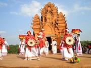 Exhiben en provincia vietnamita objetos valiosos de etnia minoritaria Cham y su festival Kate