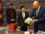 Embajador vietnamita promueve cooperación en región checa de Pilsen