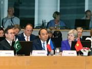 ASEM 12: Europa busca apoyo asiático en temas clave