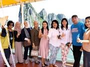 Ha Long recibirá al turista extranjero número 15 millones de Vietnam