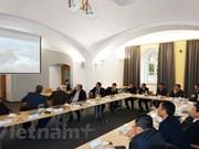 Localidades vietnamita y checa buscan oportunidades de cooperación
