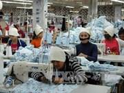 Camboya pide a UE levantar suspensión de preferencias comerciales en industria textil