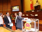 Legisladores vietnamitas emiten votos de confianza en cuarta jornada del VI período de sesiones