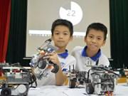 Escolares vietnamitas compiten en Festival nacional de Robótica-2018