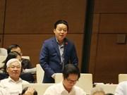 Ministro vietnamita propone soluciones para limpiar ríos contaminados