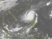 Miles de evacuados por el tifón Yutu en Filipinas