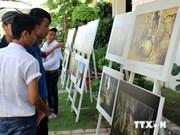 Exhiben en Hanoi obras fotográficas sobre patrimonios vietnamitas