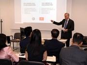 En Italia seminario sobre oportunidades de inversión en Vietnam