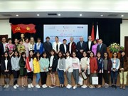 Entregan premios del concurso de jóvenes reporteros francófonos de Vietnam