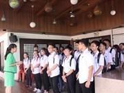 Escuelas de Vietnam ofrecen cursos de idiomas extranjeros para trabajadores y estudiantes