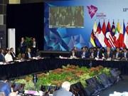 Premier de Vietnam insta a países de Asia Oriental a fortalecer conectividad