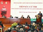 Premier de Vietnam dialoga con votantes de Hai Phong