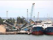 Sigue en alza volumen de carga de los puertos marítimos de Vietnam