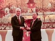 Polonia dispuesta a compartir experiencia en tratamiento de residuos con Hanoi