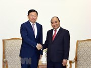 Premier de Vietnam recibe al presidente del conglomerado surcoreano Lotte
